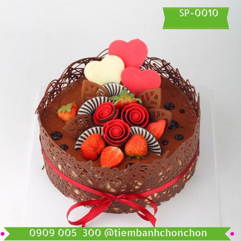 Bánh Sinh Nhật Ốp Socola Dễ Thương Sang Trọng MS SP-0010